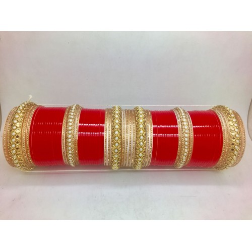 Sleek and best chuda design in red